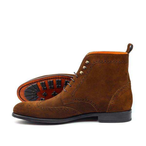 Bota para caballero wingtip en ante marrón cognac