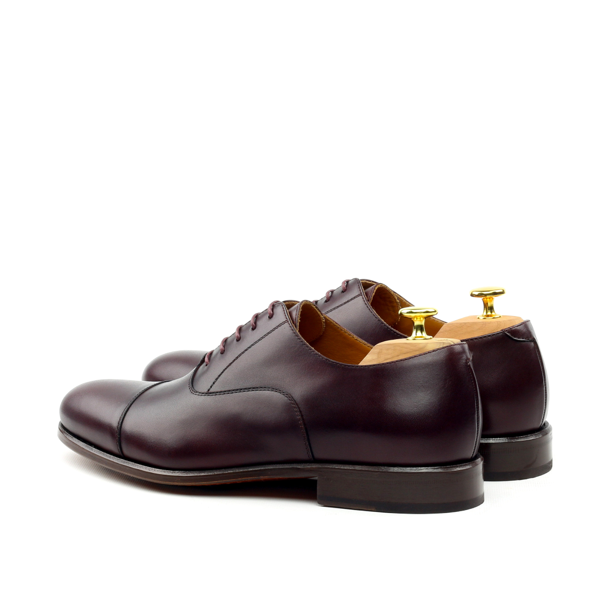 Oxford cap toe en boxcalf burdeos