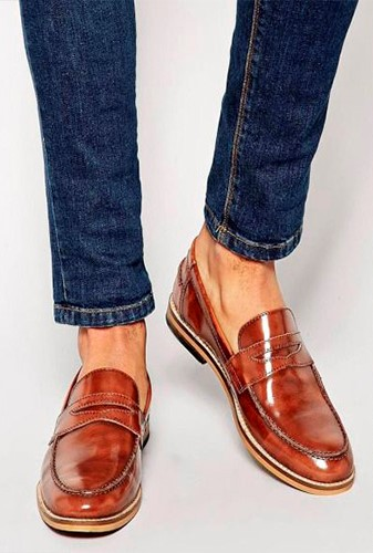 Combinar zapatos con vaqueros