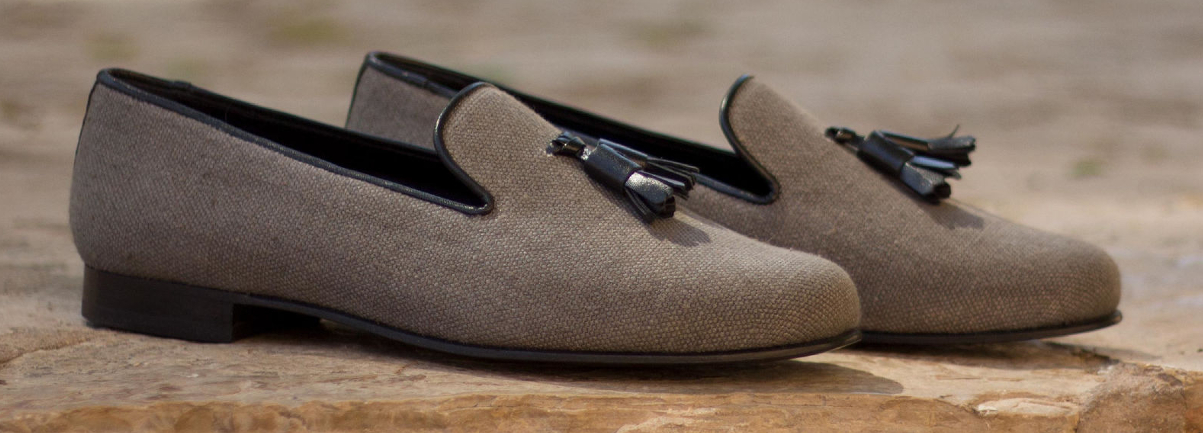 Bespoke and handmade slippers for men by Cambrillon