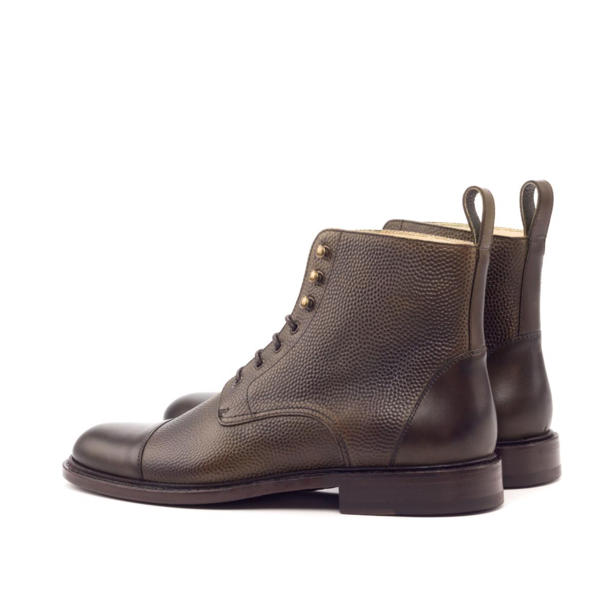 Pebble grain women's Cap Toe Boots