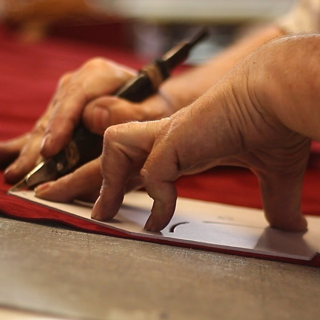 Cutting shoe patterns by hand - Leather Clicking Cambrillon