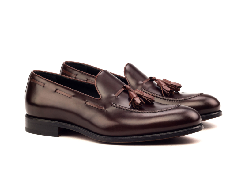 Tassel loafer for men in burgundy box calf Goodyear welted Cambrillon