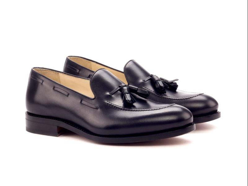 Tassel Loafer for men in black box calf Cambrillon